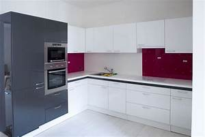 Cuisine blanche mur bleu canard for Idee deco cuisine avec deco sur mur gris