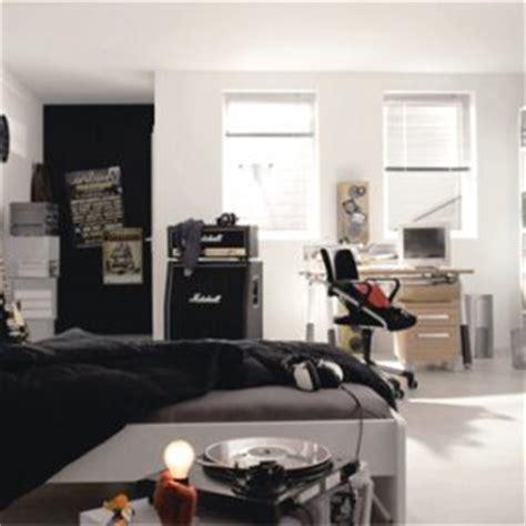 desain kamar tidur tema musik  ekstrim   serem