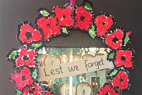 easy poppy wreath  remembrance day red ted art  crafting  kids easy fun