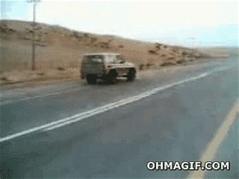 Saudi Arabia Car GIF - Find & Share on GIPHY