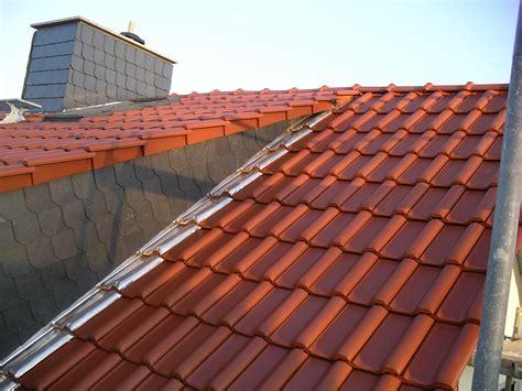 Verschiedene Materialien Fuer Die Dacheindeckung by Dacheindeckung