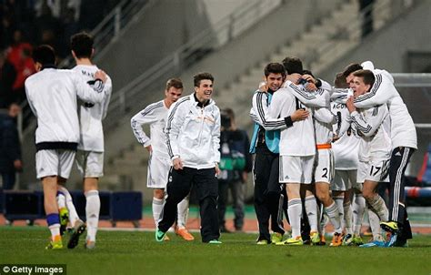 Zidane stars for Real Madrid... but Zinedine's watching ...