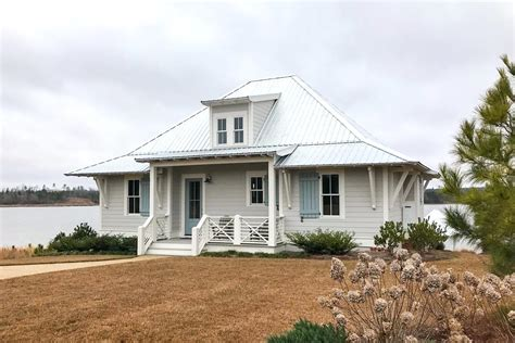 House Plans With Screened Porches by Exclusive Southern Cottage With Big Screened Porch