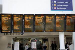 Live Departures Board, Birmingham New Street. Editorial ...