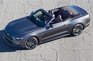 Ford Mustang Cabriolet : 2015 ford mustang convertible first look motor trend ~ Jslefanu.com Haus und Dekorationen