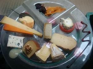 Plateau De Fromage Pour 20 Personnes : plateau de 20 fromages diff rents fromagerie hisada fromagerie hisada ~ Melissatoandfro.com Idées de Décoration