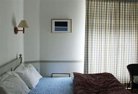 chambre d hote st suliac chambre bleue les mouettes suliac chambres d hôtes