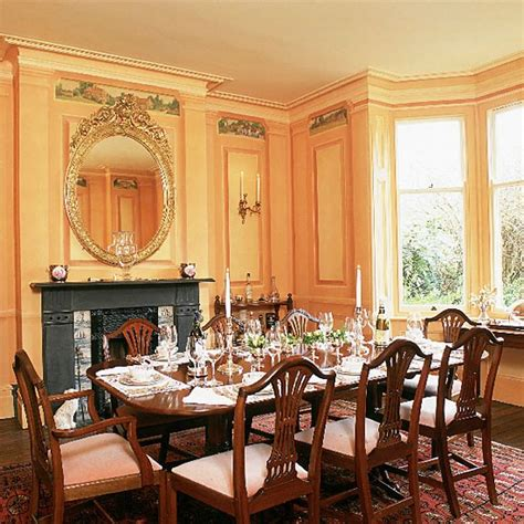 Charming And Classy Victorian Dining Room Design