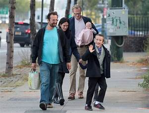 Jennifer Connelly and Paul Bettany Out for a Stroll - Zimbio