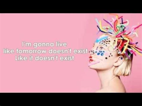 words to chandelier by sia sia chandelier lyric