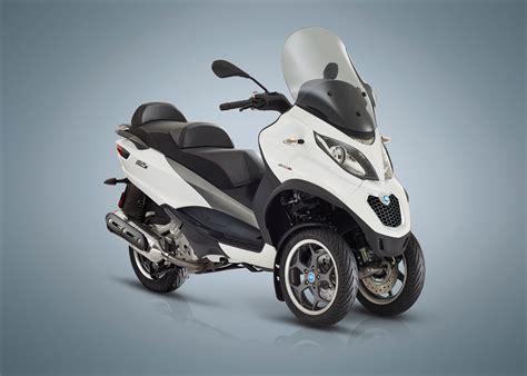 piaggio mp3 300 2018 piaggio mp3 500 sport lt review total motorcycle