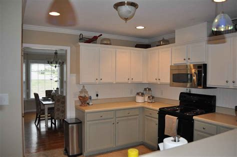 kitchen wainscoting ideas wainscoting kitchen backsplash www imgkid com the image kid has it