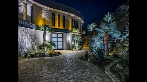 gates contemporary  house palm springs