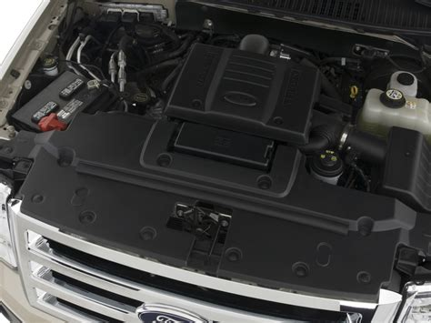 image  ford expedition wd  door xlt engine size