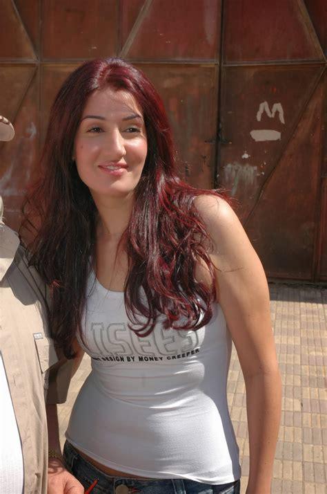 مايا دياب تنافس عادة عبد الرازق وباسكال مشعلاني على الاجمل
