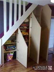 Aménagement Sous Escalier : portes battantes sous escalier le kiosque am nagement projets essayer pinterest ~ Preciouscoupons.com Idées de Décoration
