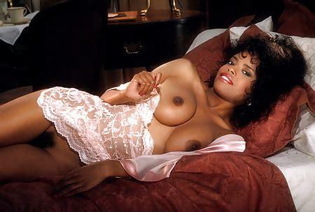 Lorraine nackt Olivia Lorraine Olivia