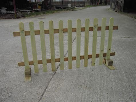 standing fence panels wrought iron design ideas