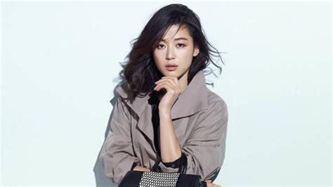 actress jun ji hyun filmed  kiss scene  kim soo hyun