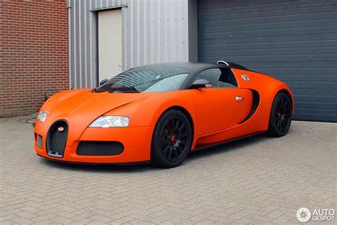 Bugatti Veyron is orange for King's day!