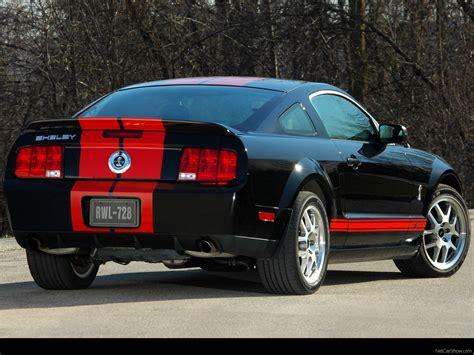 Ford Mustang Shelby GT500 Red Stripe (2007) - picture 7 of 8