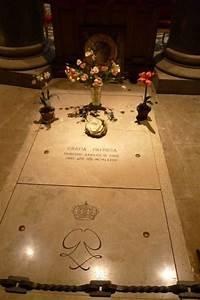 Grace Kelly Beerdigung : bild grab von grace kelly zu grabst tte von gratia patricia in monaco monte carlo ~ Eleganceandgraceweddings.com Haus und Dekorationen