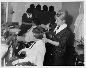 Coiffure Années 60 : salon de coiffure annee 60 projets essayer pinterest ~ Melissatoandfro.com Idées de Décoration