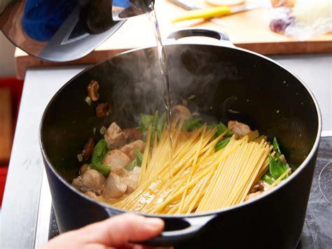 6 Tipps und Rezepte für extra-schnelle Pasta | LECKER