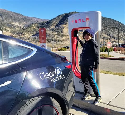 View Tesla 3 How Many Miles Per Kwh Pictures