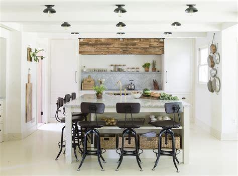 professionals corner kitchen lighting  kicks