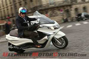 Piaggio X10 350 : 2012 piaggio x10 350 scooter first ride ultimate motorcycling magazine ~ Medecine-chirurgie-esthetiques.com Avis de Voitures