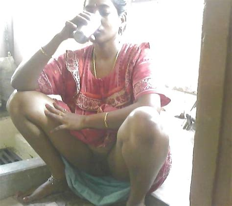 Indian Housewife Saree Lift My All Time Favarite 14 Pics
