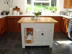 kitchen islands with dishwasher reformar una cocina y montar una isla en poco espacio