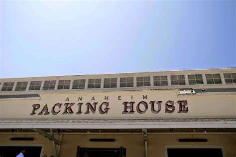 Sartorial Diner: Sights in OC : Anaheim Packing House