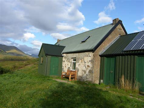 Cottage Scotland cottages scotland strawberry cottage glen affric