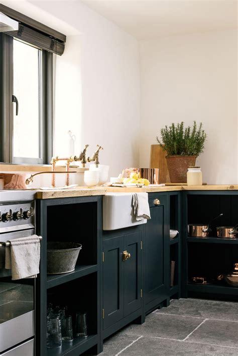 simple  stunning shaker style kitchen  style files