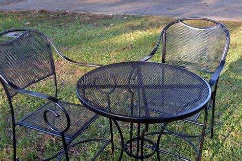restore metal outdoor furniture