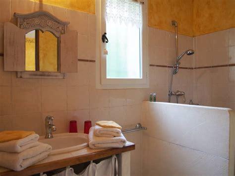 chambres dhotes luberon tournesol chambres d 39 hôtes luberon le clos des lavandes