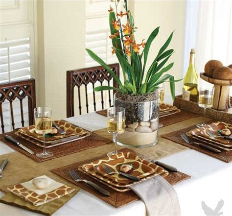 Giraffe Decorations - 26 best images about dinnerware on