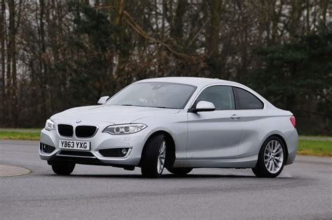 siege auto bmw serie 1 bmw 2 series 220d road test pictures auto express