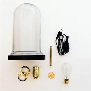 Lampe Sous Cloche : 17 meilleures id es propos de cloche en verre deco sur pinterest cloche en verre cloche ~ Teatrodelosmanantiales.com Idées de Décoration