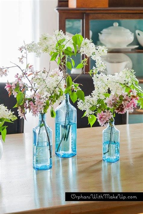 RUSTIC DINING TABLE & BLOSSOMS upcycled Bombay gin
