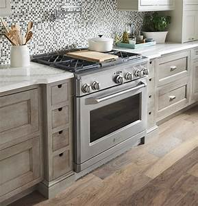 Monogram 36 U0026quot  All Gas Professional Range With 4 Burners And