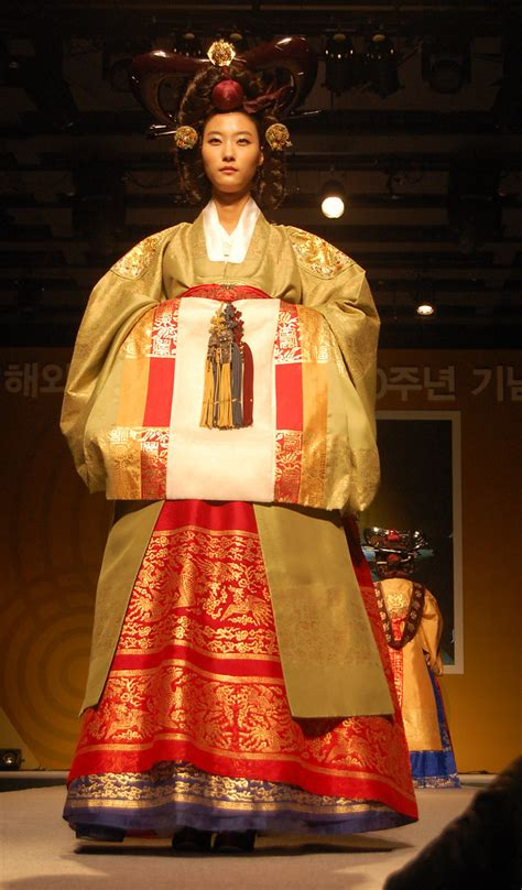 hanbok fashion show leading hanbok designer lee young