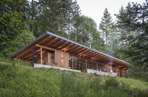 brightwood cabin modern home  mount hood village oregon  scott  dwell