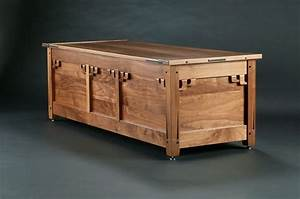 Fine Woodworking Blanket Chest - WoodWorking Projects & Plans
