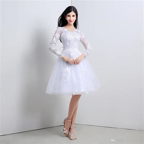Youthful Short 2015 Wedding Dresses Knee Length Cheap Stockings Bridal Gowns With Long Sleeves