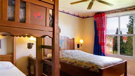 chambre hotel cheyenne voyage au far dans le disney 39 s hotel cheyenne de