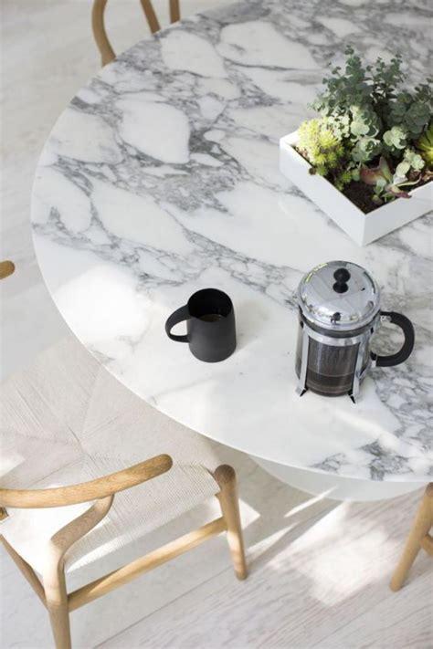 round table granite bay la table de salle à manger en 68 variantes archzine fr