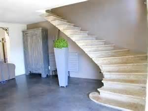 Decoration Escalier Maison by Decoration Escalier Interieur Maison